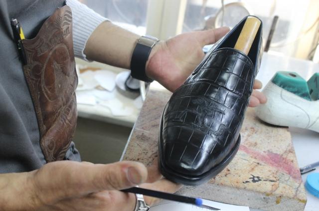 В создании кожаной обуви много нюансов.