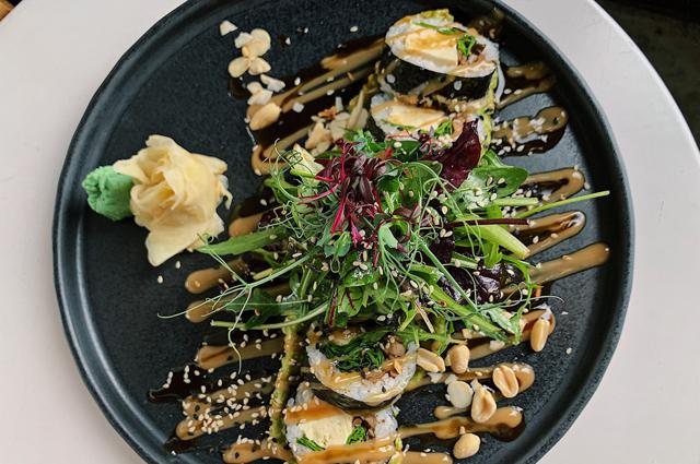 Жареный овощной ролл с тофу