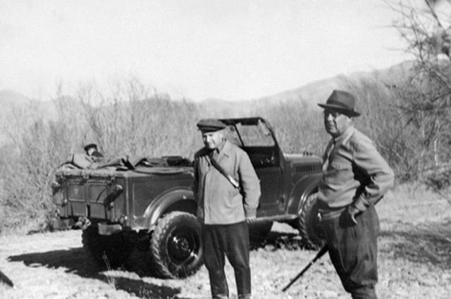 Леонид Ильич Брежнев на охоте. 1955 г.