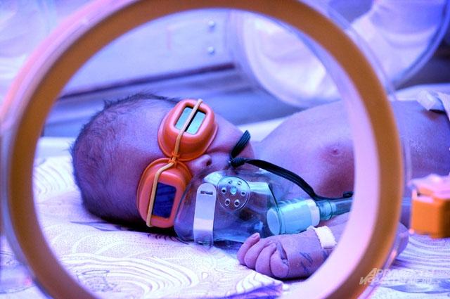 Стоимость выхаживания недоношенных малышей достигает 1,5 млн руб.