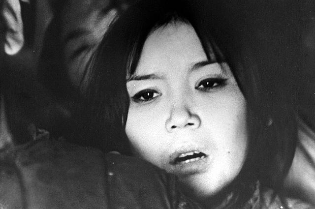 Наталья Аринбасарова в роли Алтынай в художественном кинофильме «Первый учитель». 1966 год.