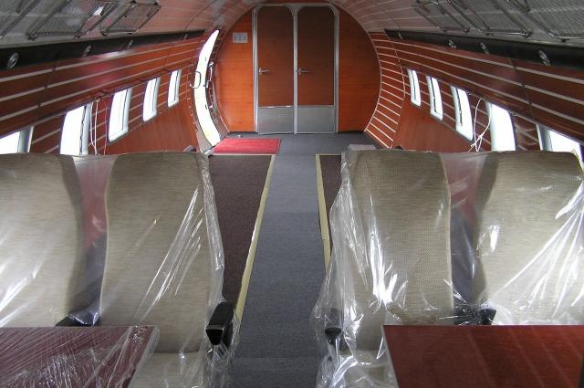 Поддубный следит за состоянием Ил-14 и регулярно ремонтирует его.
