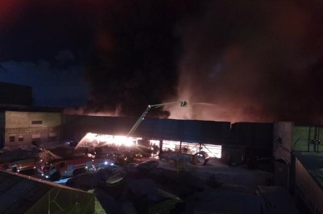 К тушению пожара привлекли 33 единицы техники