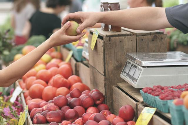 В Боровом огромный рынок, где можно попробовать местную кухню.