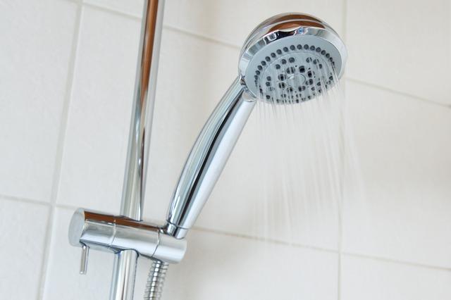 Контрастный душ быстро приведет в чувства.