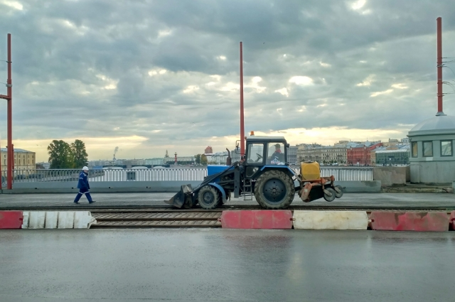 В 2017 году завершили реконструкцию Тучкова моста. Надолго ли?
