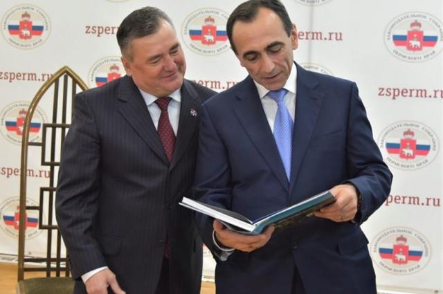 Валерий Сухих признался, что уже прочитал книгу.