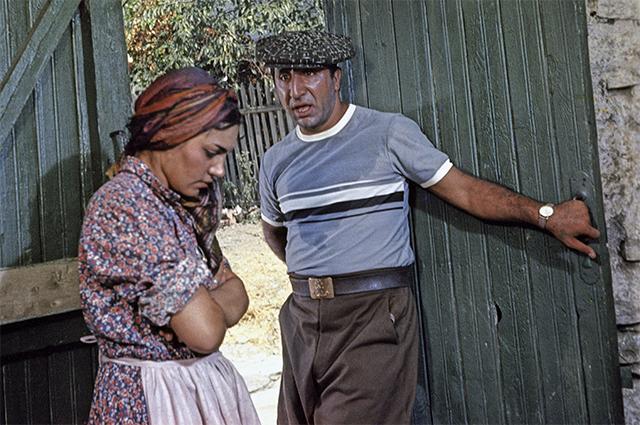 С женой Донарой Пилосян в фильме «Кавказская пленница», 1966 г.