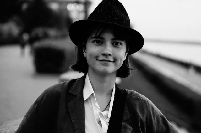 Настя Полякова - главная героиня. Ей предстоит делать непростой выбор