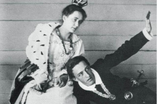 Александр и Любовь сблизились на почве любви к театру
