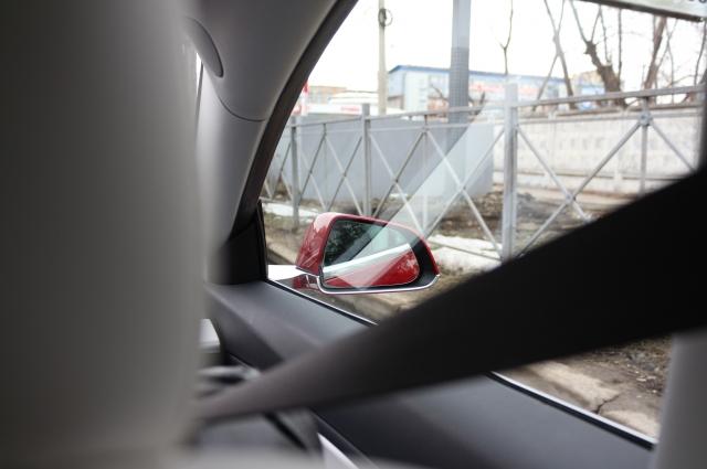 Машина слишком низкая для сибирских дорог, хоть и манёвренная.
