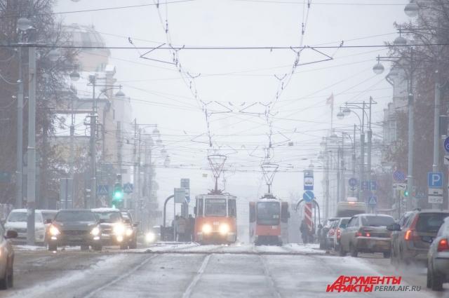В городе зафиксированы многокилометровые пробки