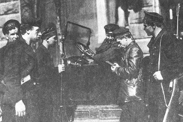 В дальнейшей его криминальной жизни опыт работы в ЧК сыграл Пантелееву на руку
