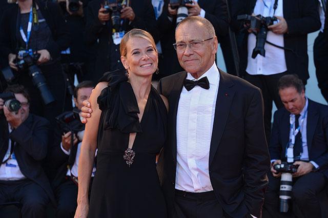 Андрей Кончаловский с супругой актрисой Юлией Высоцкой.