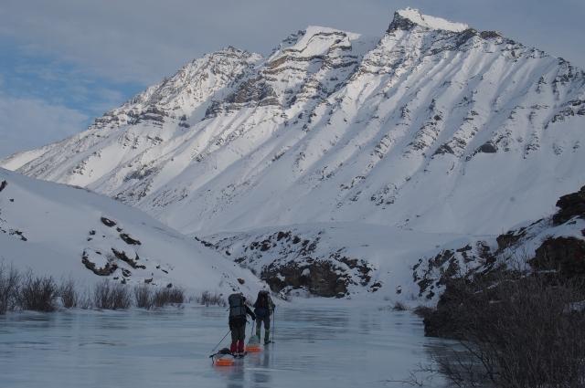 Путь пролегал местами по голому льду.