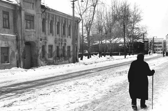 Суворовская улица, рубеж 1960-1970-х годов