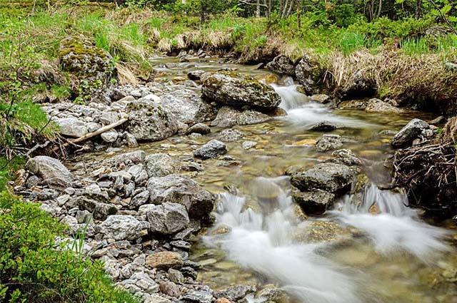 Река Таборная запомнится вам своими водопадами.