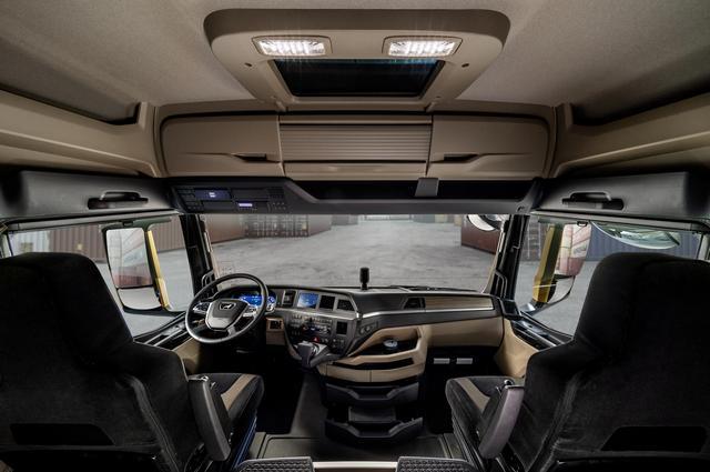 К проектированию привлекали реальных клиентов и водителей.