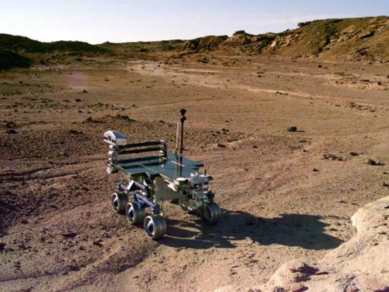 Люди могут узнавать о Красной планете только через снимки с марсоходов