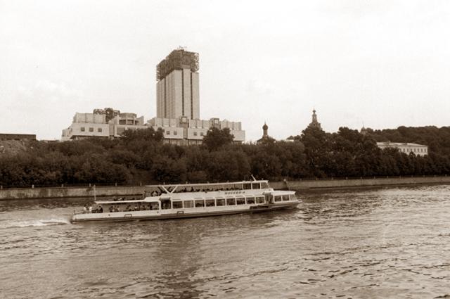 Новое здание Президиума Академии наук СССР на Ленинском проспекте. 1990 год