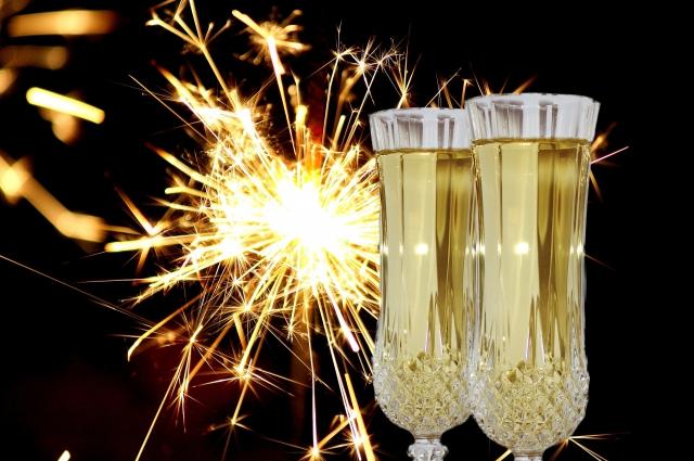 По случаю праздника многие омичи наверняка придут на торжества как минимум после пары бокалов шампанского.