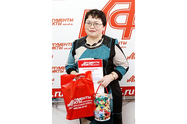 Ребята не смогли приехать, подарок им передаст их классный руководитель Бахтыгуль Николаевна.