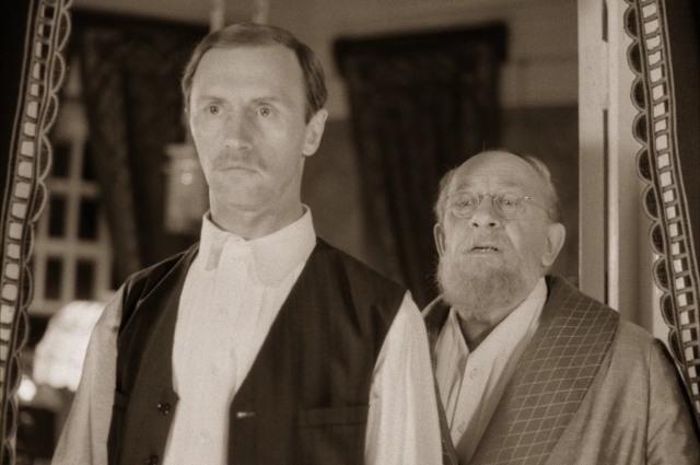 Фильм Бортко, над которым работал художник, вышел в 1988 году.