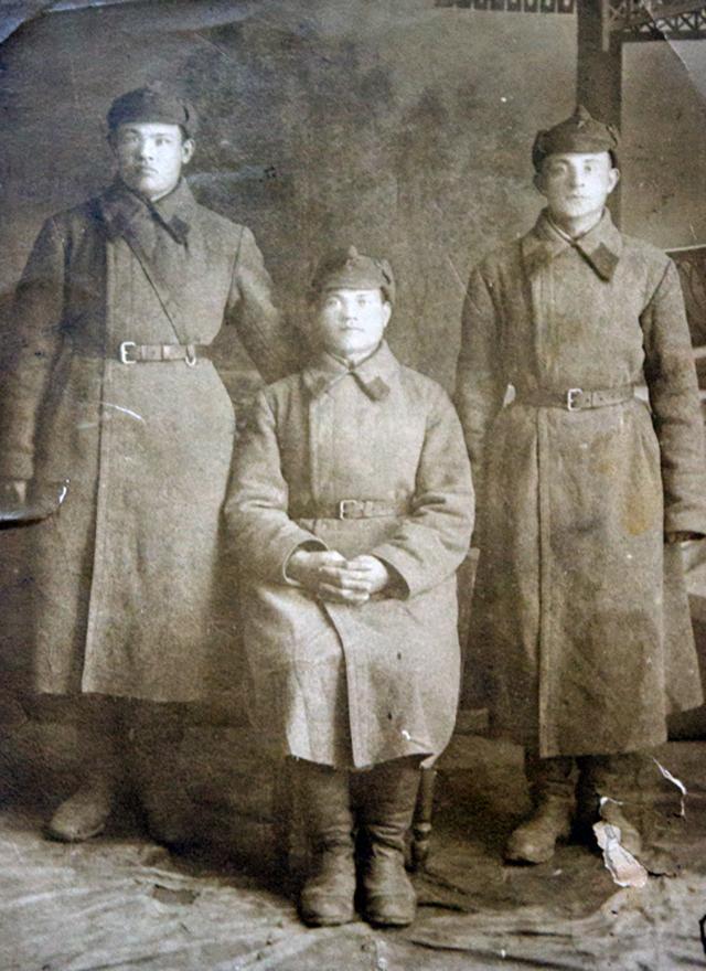 Фарах Хайрутдинов слева.