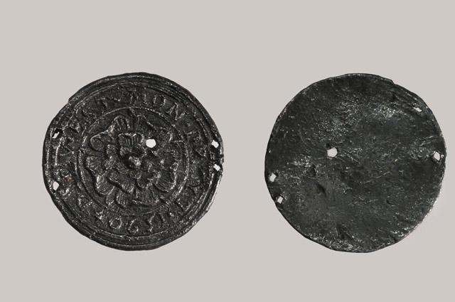 Свинцовая бляха - копия английской монеты 1590 г.