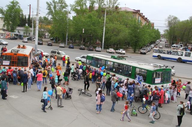 В Омске теперь на маршрутах есть четыре разрисованных троллейбуса.
