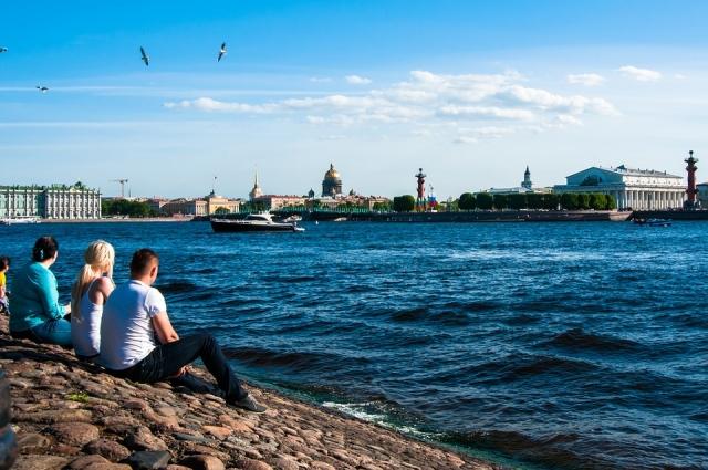 Петербург наиболее популярен у туристов из Центрального региона и Поволжья, Северо-Западного региона. Больше всего путешественников приезжают в город на Неве из Екатеринбурга, Перми, Краснодара, Новосибирска, Красноярска, Мурманска, Омска, Великого Новгорода, Норильска, Пскова и, конечно,  Москвы.