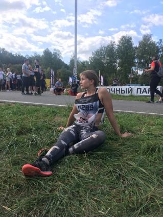 Вот так герои выглядят после гонки. Про синяки на ногах и руках мы даже не говорим…