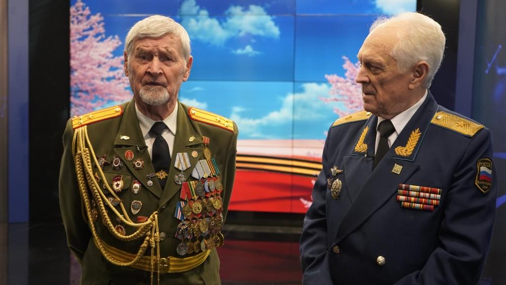 Дмитрий Суворов рассказал, чем закончилась история с немцами-танкистами, только одному человеку — председателю ветеранской организации Свердловской области Юрию Судакову.