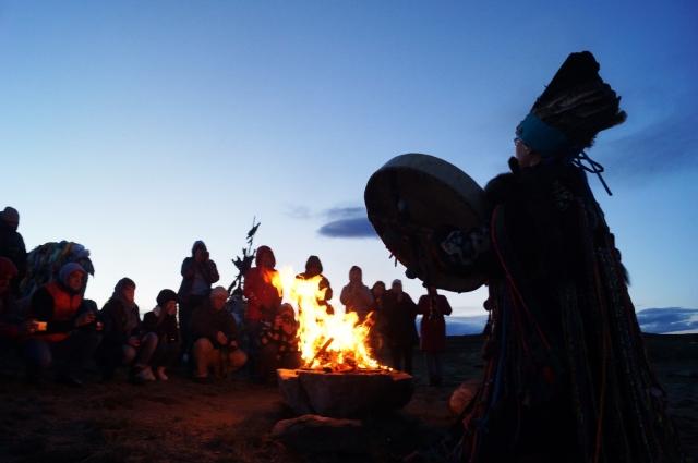 Камлание шамана – завораживающее зрелище.