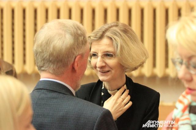 Диктатор Наталья Старцева.
