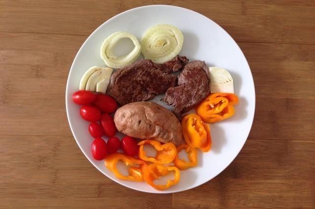 Мясо и овощи фигуре не навредят.