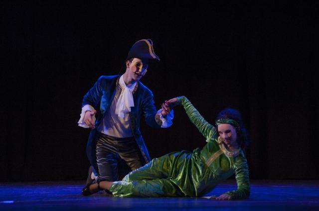 Изабелла и Валентино - влюбленная пара в комедии дель арте.