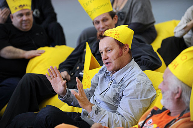 Георгий Делиев на Втором Всемирном конгрессе дураков в театре имени Наталии Сац. 2009 год