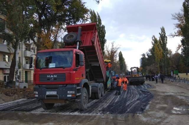 На улице Урицкого завершаются работы по благоустройству территории.