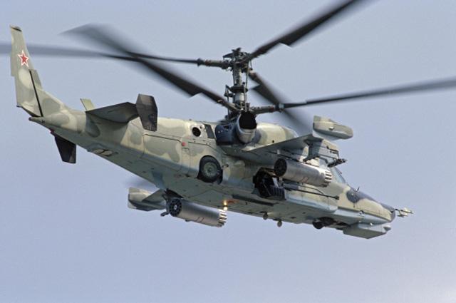 Первый в мире одноместный боевой ударный вертолёт Ка-50 Чёрная акула имеет высокий уровень автоматизации боевых задач и выживаемости на поле боя