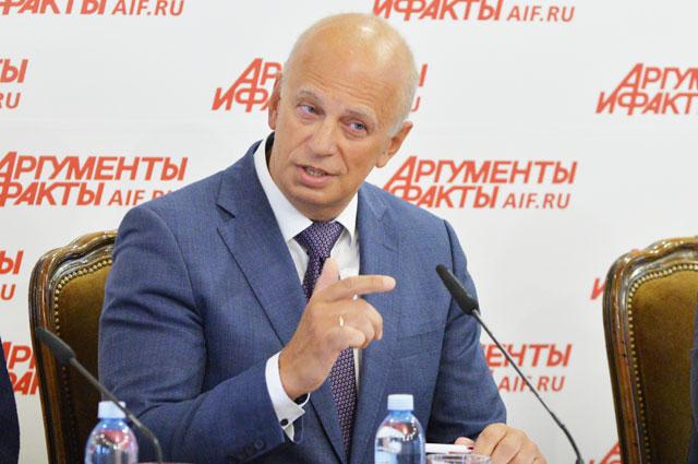 Евгений Воронин, главный внештатный специалист Минздрава РФпопроблемам диагностики илечения ВИЧ-инфекции.