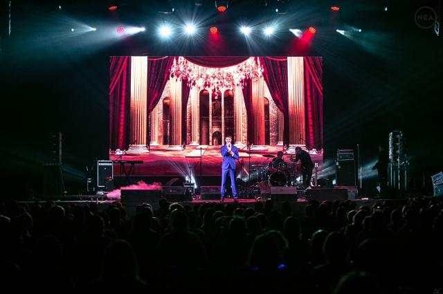 Широкой общественности талант Олега стал известен благодаря шоу «Минута славы» и «Песни».
