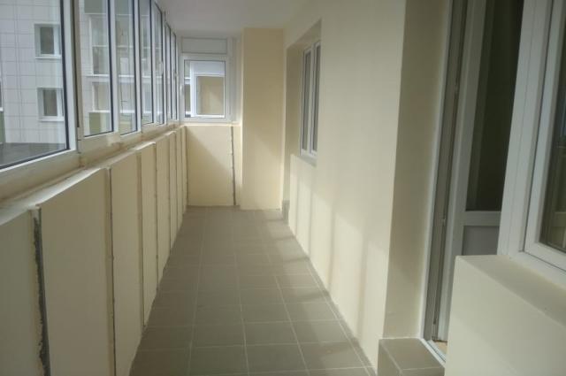 Особенно Бибинур апе понравились балкон и окна.