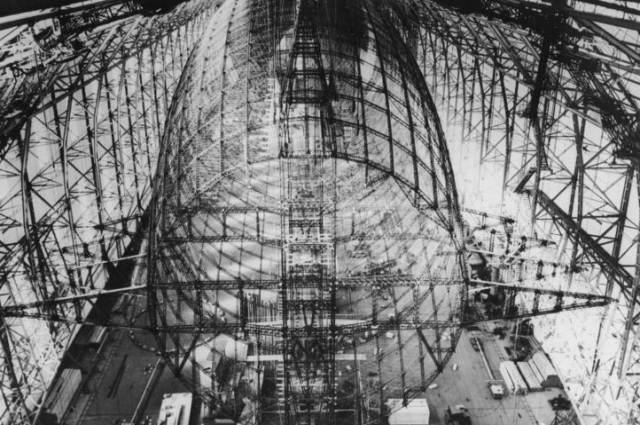 Дирижабль «Гинденбург», строительство.