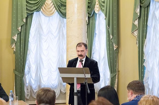 Дмитрий Мартынов считает, что подписные тарифы меняться не должны