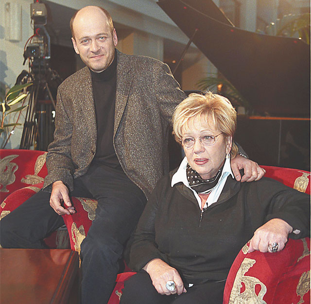 С сыном, Денисом Евстигнеевым