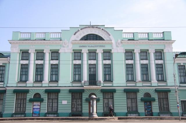 Выставка проходит во Врубелевском корпусе музея.