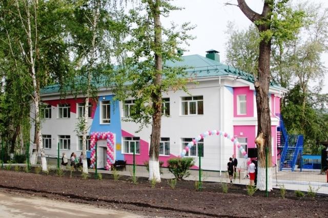 В 2019 году РМК участвовала в реконструкции карабашского детского сада №9. Работы также коснулись здания и прилегающей территории.