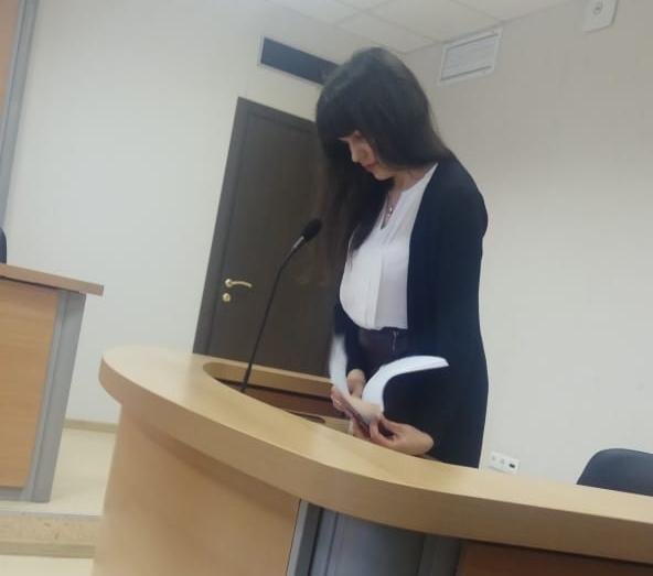 Представитель надзорного органа Ольга Шевелева на суде.