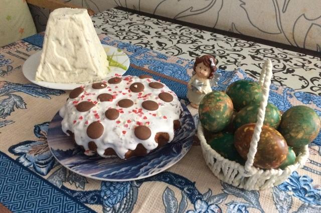 Светлана печёт по 5-7 куличей к празднику.